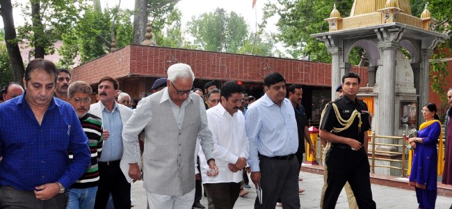 Governor visits Mata Kheer Bhawani Shrine