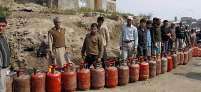 2.78 lakh LPG connections issued under PMUY in JK