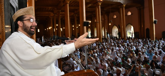 Mirwaiz warns 'sustained protest' if 'bloodshed' not stopped in Kashmir