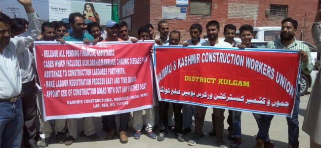 Kashmir Constructional Workers Union stage protest against Government