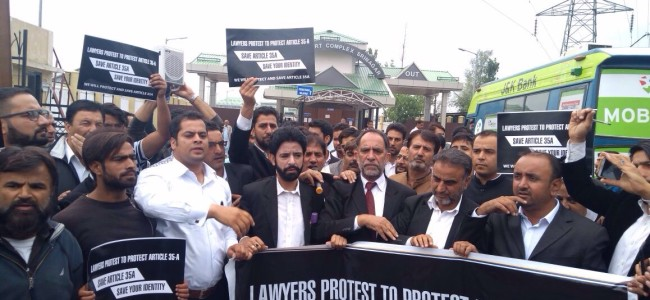 Lawyers on roads over scrapping of Article 35A