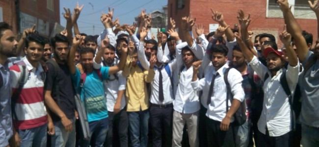 College students protest against 'callous' Kashmir University