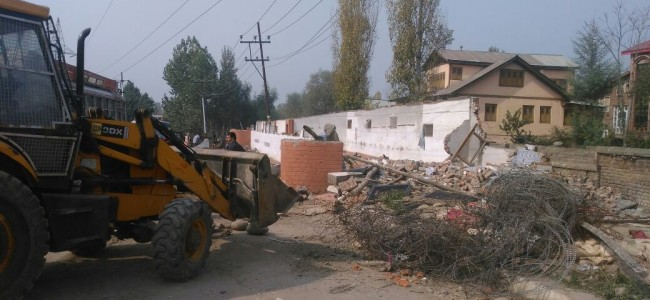 CRPF demolishes bunkers in Soura and Saidapora