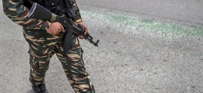 Militants attack army vehicle in shopian village