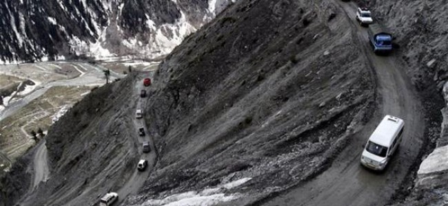 Srinagar-Jammu highway closed due to landslides over the stretch