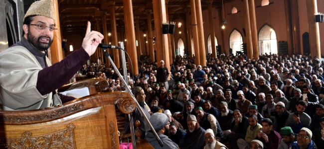 Mirwaiz welcomes ex-Norway PM's call for tripartite dialogue on Kashmir
