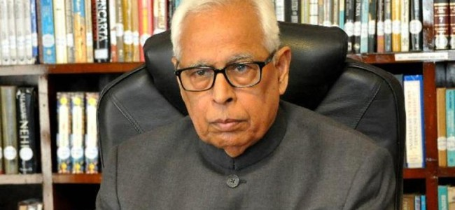 Governor visits flood prone areas, Relief Centres in Srinagar