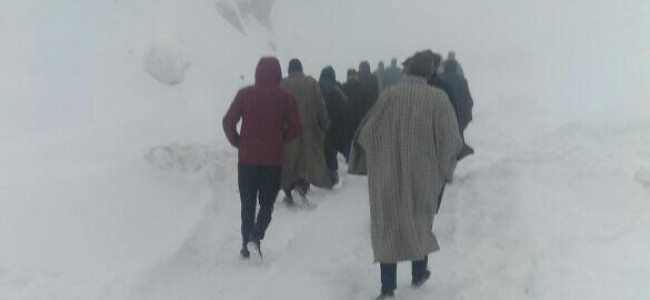 Control blasting of snow at Sadhna Top: Chowkibal-Tanghdar road to remain closed on March 31, April 1