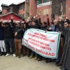 Police detain protesting Wild Life deptt employees in Lal chowk