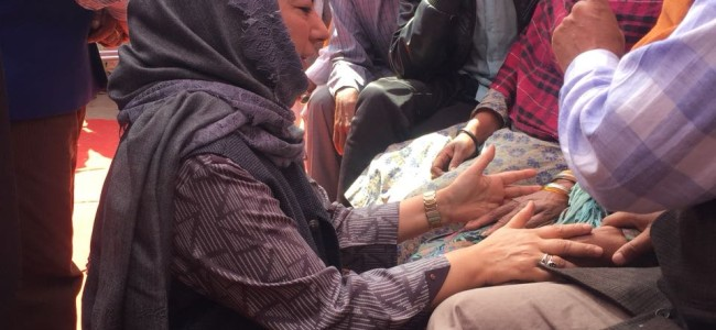 Mehbooba visits Balakote, sympathizes with family who lost 5 members to shelling on LoC