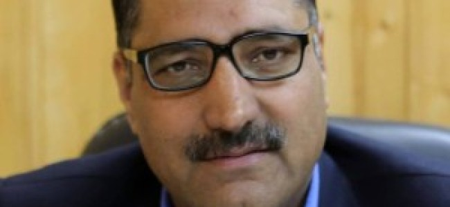 On Shujaat Bukhari's first anniversary, 'Kashmir's Thin Red Lines' released