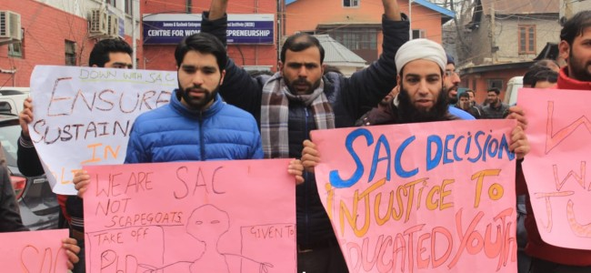 Unemployed youth protests in Srinagar against SAC decision to regularise ReT's