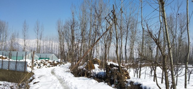 PDD fails to fix dangling 11kv electric pole in Budgam village: Exen assures repairs soon.