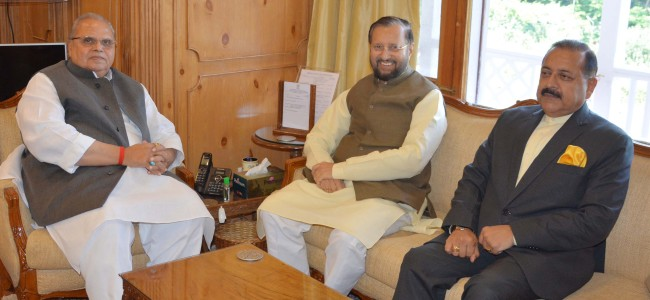 Governor discusses Kashmir situation with visiting Union Ministers
