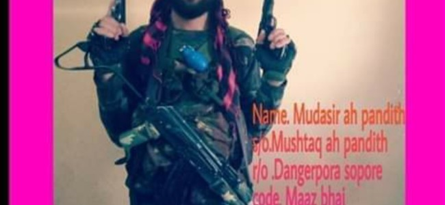 Picture of Sopore youth wielding gun goes viral