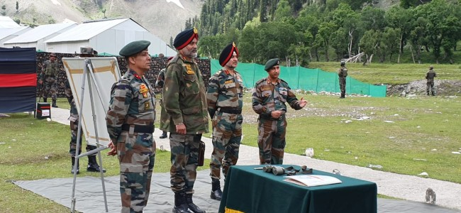 Ahead Of Yatra, Northern Army Commander Reviews Security In Valley