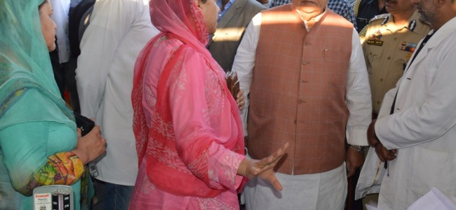 Governor praises people of Kashmir for ensuring smooth conduct of Yatra
