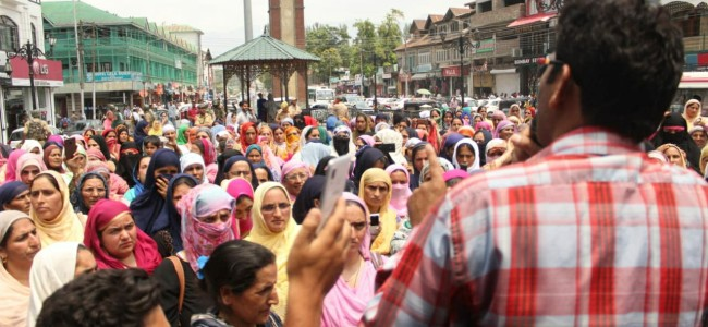 Anganwadi workers protest in city center Lal Chowk