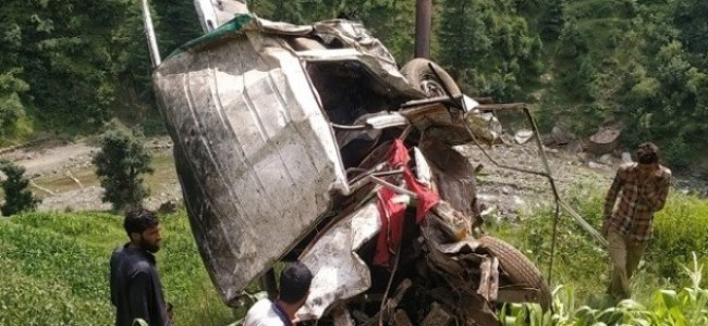 Sumo plunges in gorge in Banihal, 3 dead, 4 injured