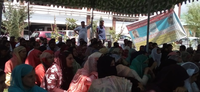 J&K MEF launch hunger strike, urge government to accept their demand
