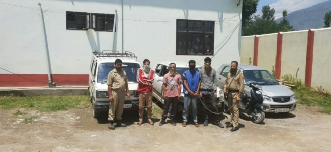 Ganderbal: Police busts gang, recovers 3 cars, scooty among other items