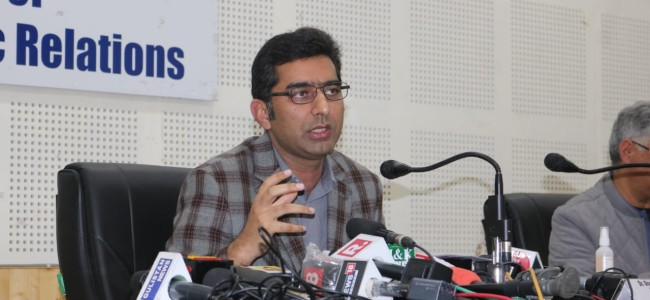 Service Providers To Be Trained Before Opening Their Outlets In Srinagar: DC
