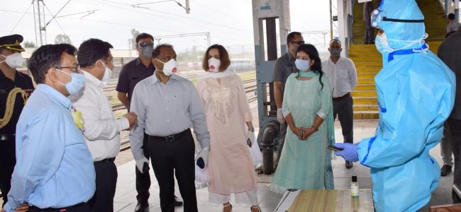 COVID-19: LG visits Udhampur Railway station, takes stock of facilities