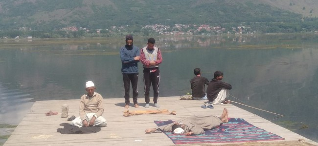 In Pictures: Life Amid Lockdown In Kashmir